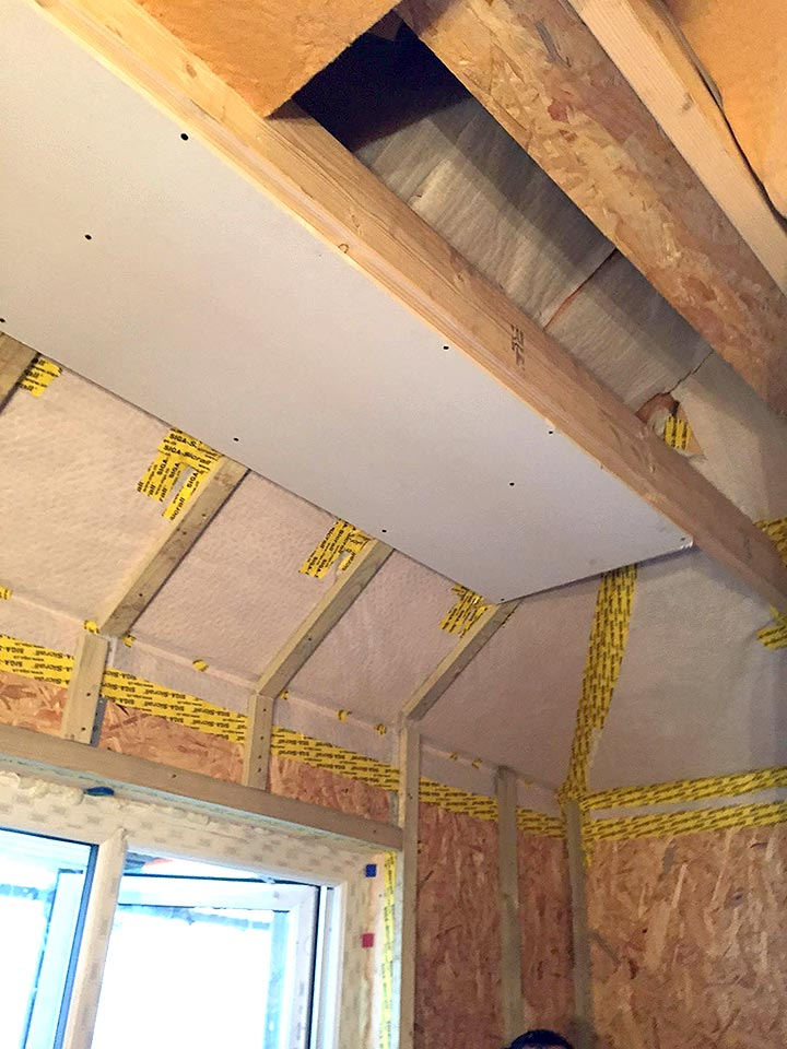 Air tightness membrane traditional cut roof